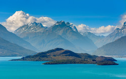 Lake-Wakatipu-(New-Zealand)