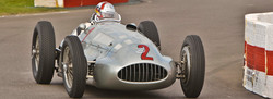 Goodwood-Revival-silver-arrows-on-track-6
