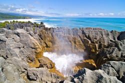Pancake-Rocks-and-Blow-Holes-at-Punakaiki-West-Coast