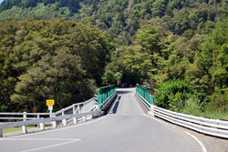 Pelorus_Bridge_001