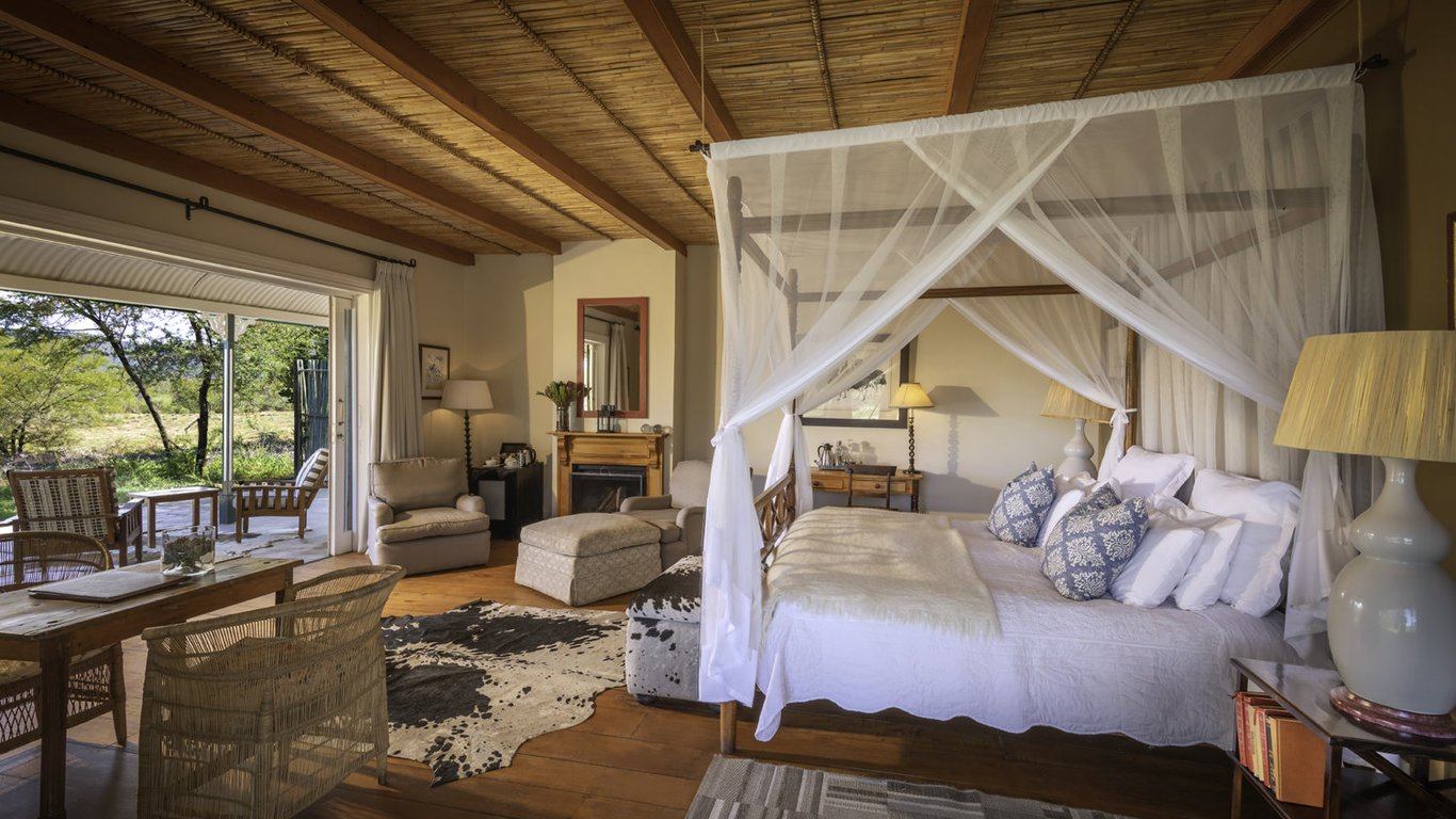 samara-karoo-suite-lodge-KS1-game-reserv