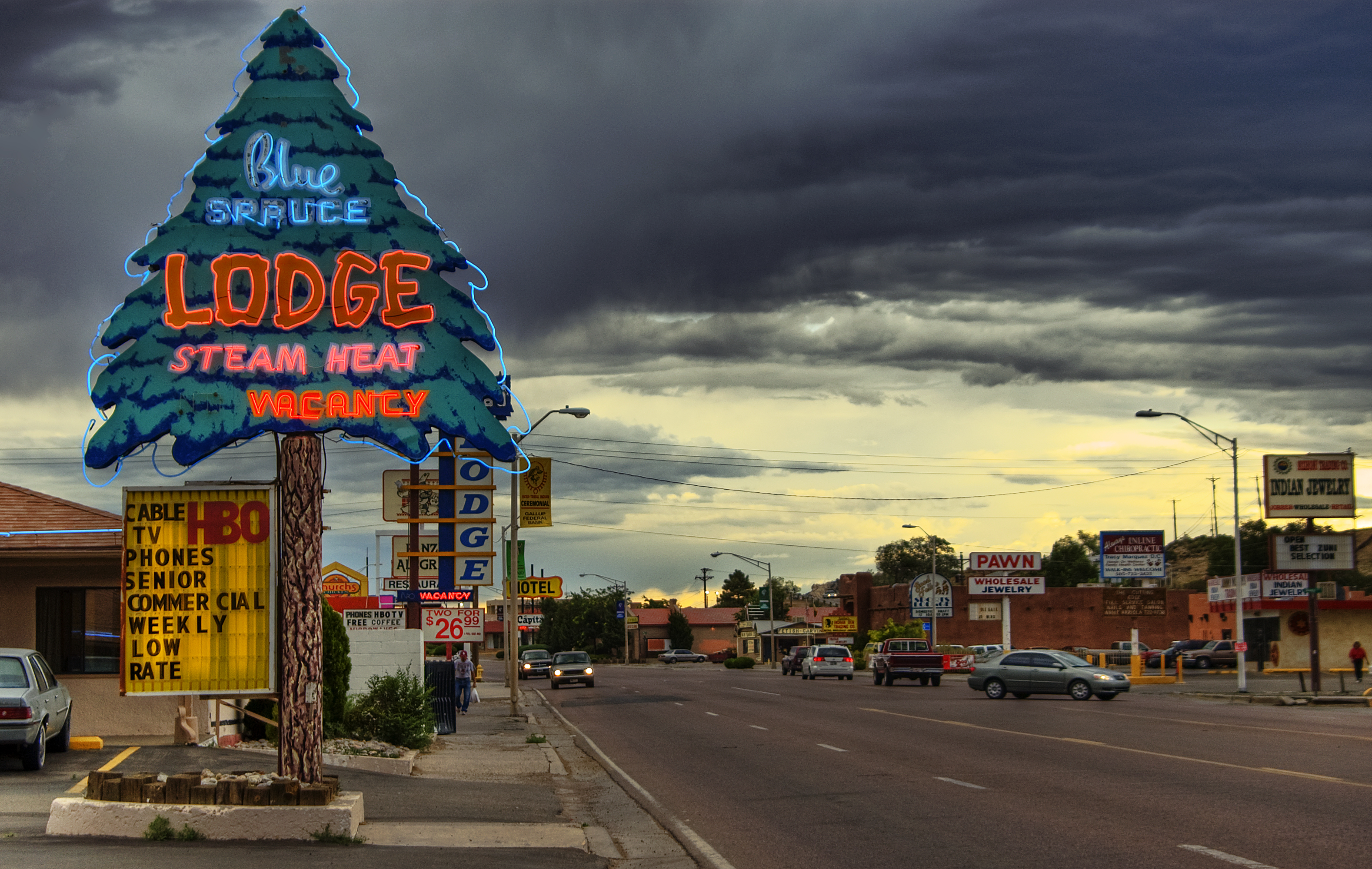 Gallup_NM_-_street_scenery_and_clouds