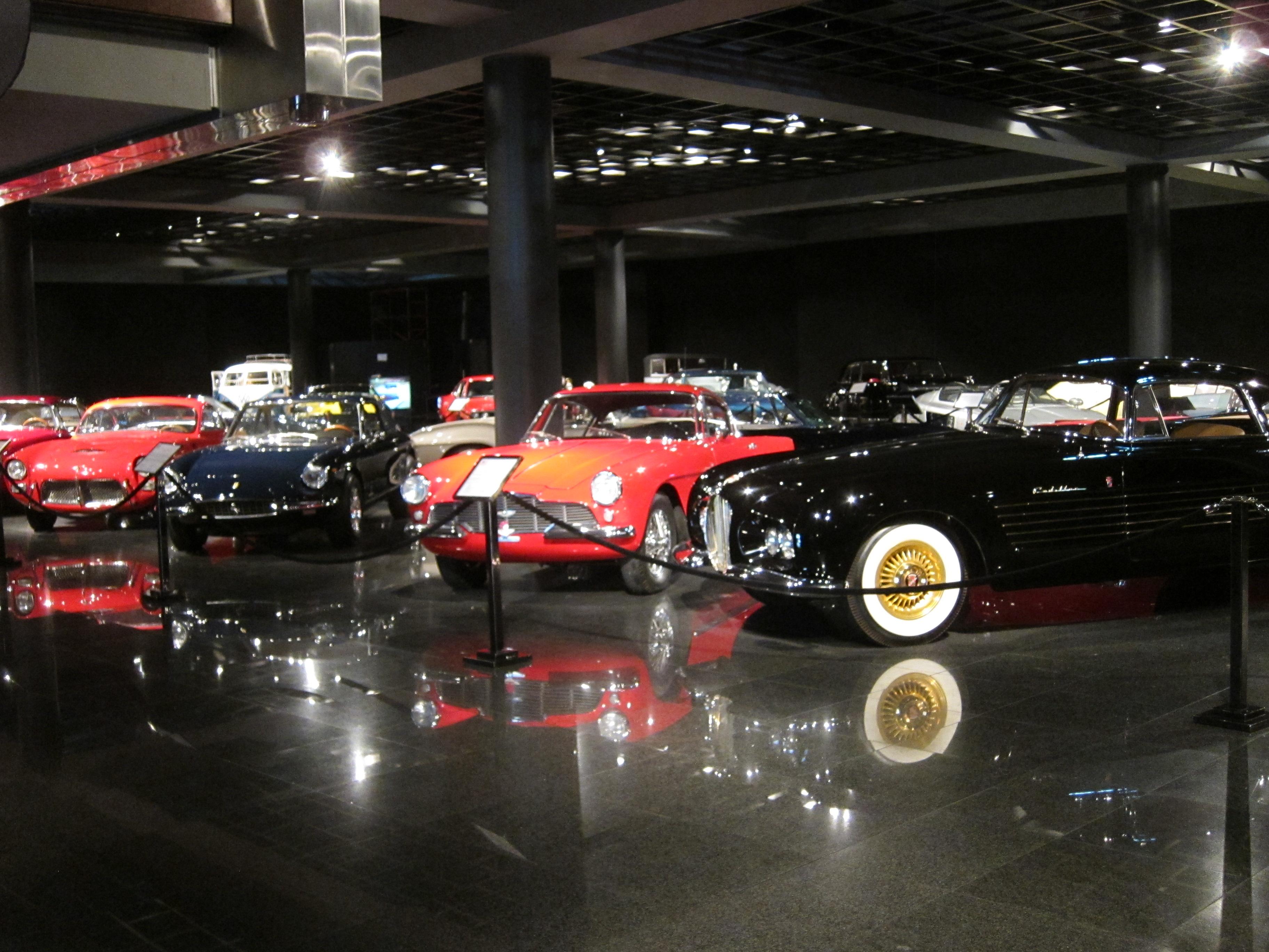 Blackhawk_Automobile_Museum_-_Flickr_-_j