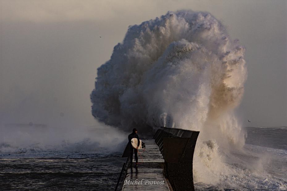 Vague et surf.jpg