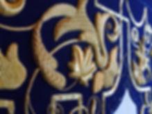 Detalle de la bambalina durante el borda
