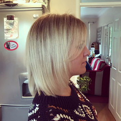 The chop and added creamy highlights 🌟#bobcut #blob #behindthechair #creamydreamy
