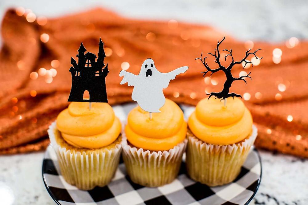 Halloween cupcakes.