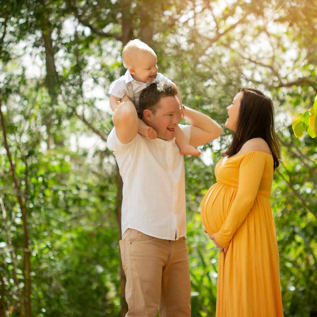 maternity-photographer-brisbane-yellow