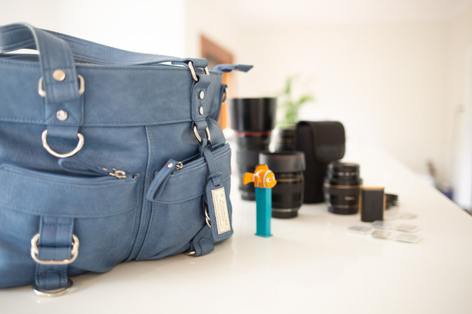 Whats in the bag? - North Brisbane Family Photographer