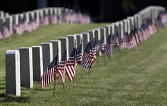 american-flags-at-cemetery-48082ba24a96f