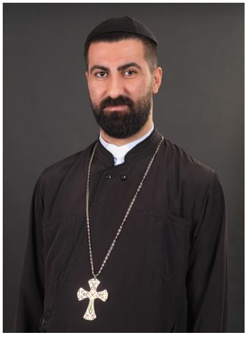 P. Charbel Bahi, miembro del Comité Ecuménico para el alivio de Beirut en representación de la Iglesia Ortodoxa Siria y designado por Su Excelencia Daniel Kourieh, Arzobispo Ortodoxo Sirio de Beirut