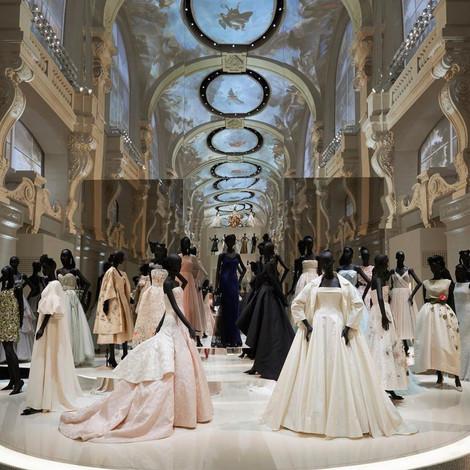 Выставка Dior побила рекорд посещаемости