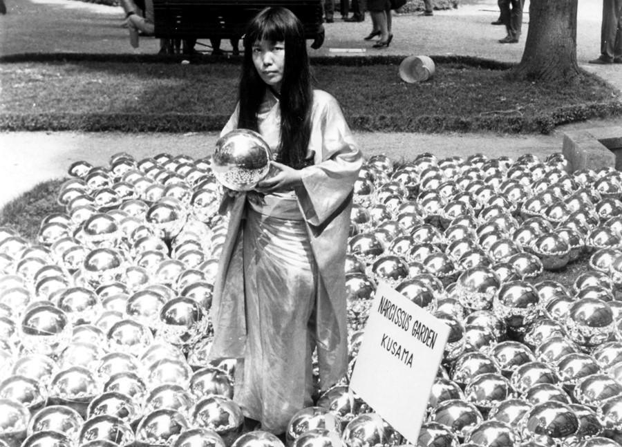 Яёй Кусама и «Сад нарциссов», 1966