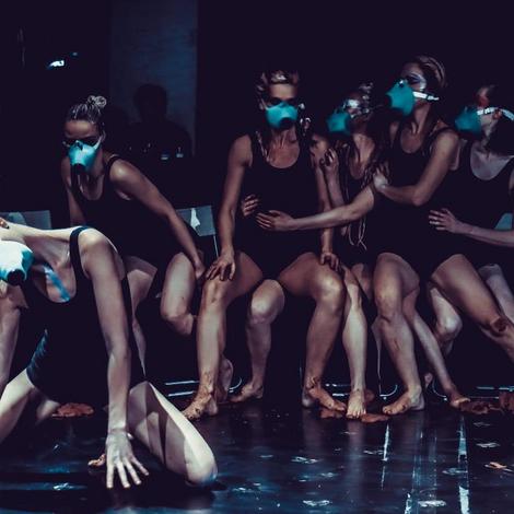 Танцевальный перформанс Arthouse conflict на Флаконе: как это будет