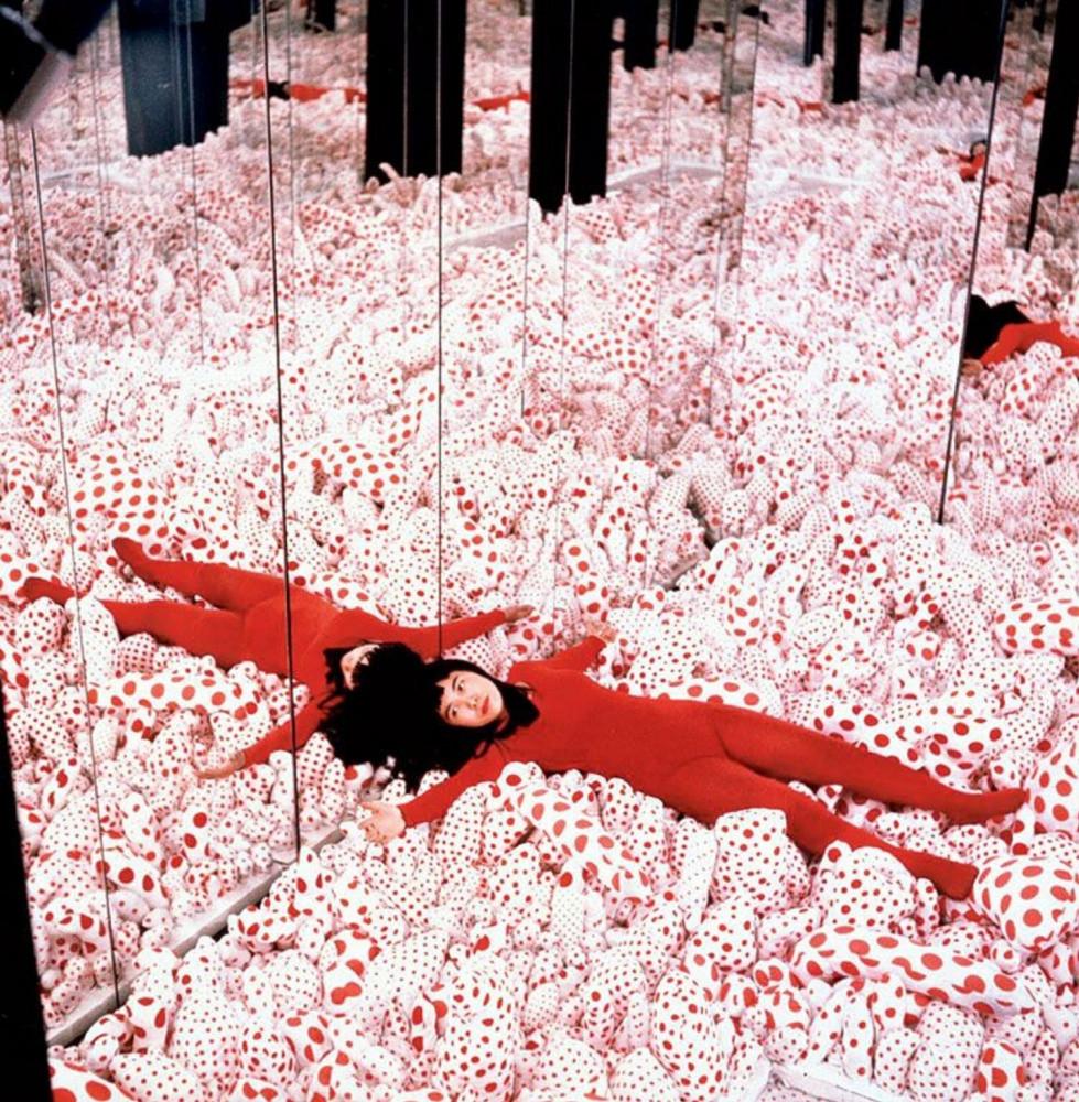 Инсталляция «Бесконечная зеркальная комната», Яёи Кусама