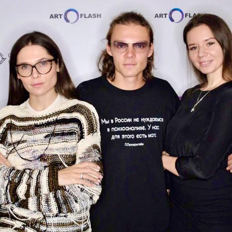 «Мы в России не нуждаемся в психоанализе»: как прошла презентация совместной коллекции ART FLASH и «