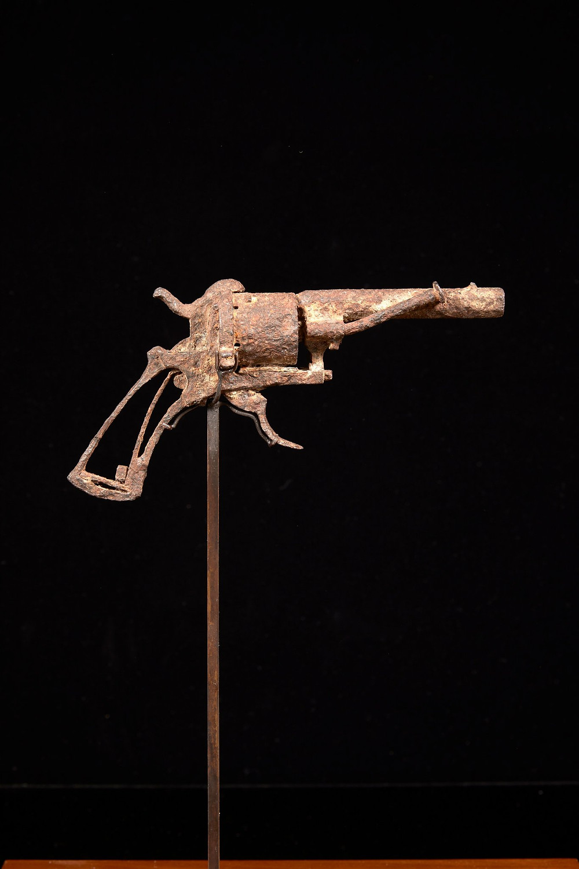 Револьвер на аукционе