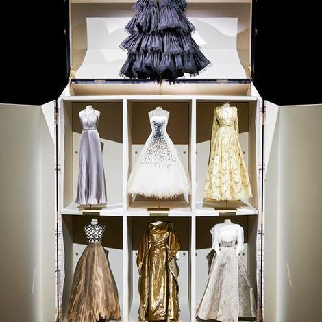 Dior провели показ в формате фильма