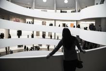 Культурный дресс-код: как одеться в музей и выглядеть стильно
