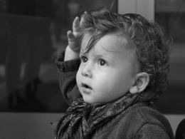 La communication gestuelle pour atténuer les effets du port du masque chez le jeune enfant