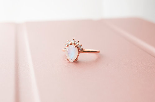 The Queen Moonstone Rings