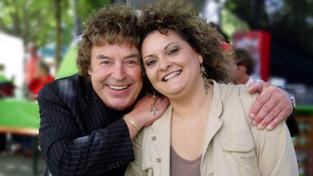 Raffaella mit Tony Marshall im Studiogarten SWR