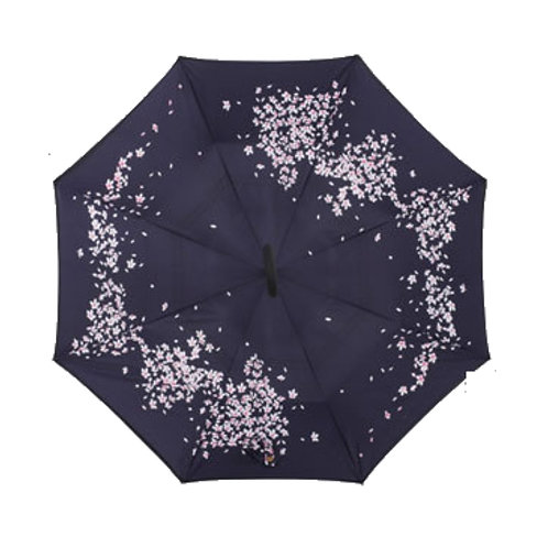 Invertierter Regenschirm, weisse Blümchen
