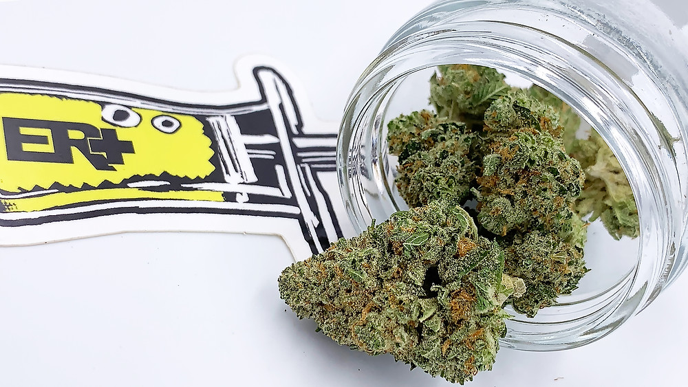 Stardawg flowers in a jar - strain profile and review by The epic remedy