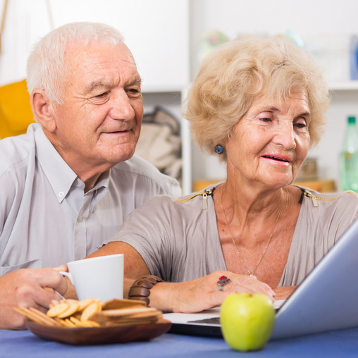 5 Underutilized Technologies That Help Caregivers & Seniors to Age in Place