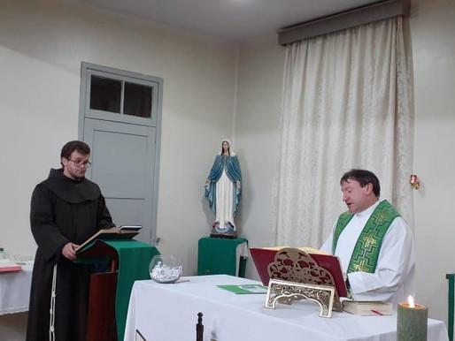 Frei Márcio realiza juramento de fidelidade e a Profissão de Fé