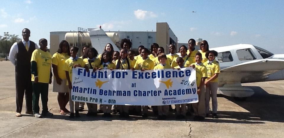 Behrman Students at Airport