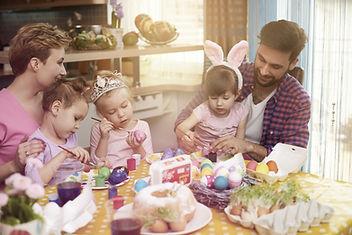 Семья Декорирование яйца