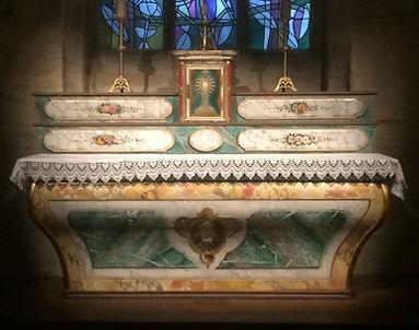 Le maître-autel restauré