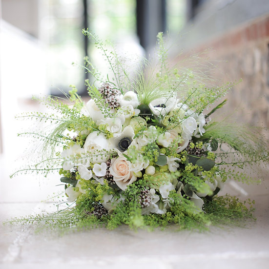 Le Fleuriste (We choose the best flowers available)