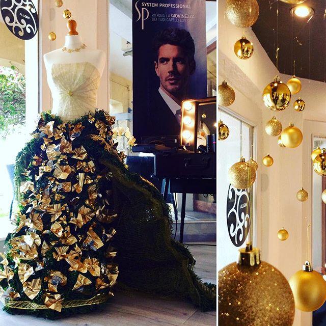 Think Gold 🎄#christmas #gold #think #eleganza #elegant #elegancia #fashion #luxury #luxurylife #lus