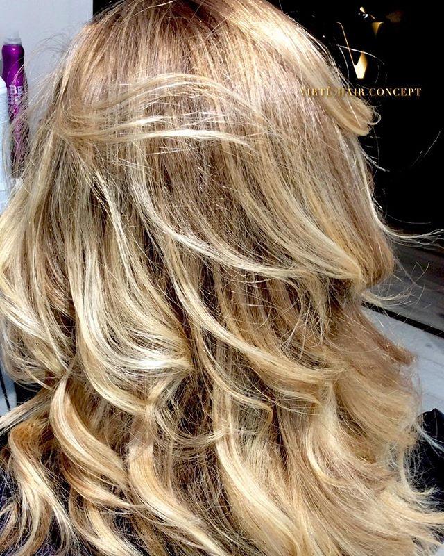 Biondissima #costasmeralda #virtuhairconcept #hairstyle #haircolour #hair #capelli #bionda #wella #w