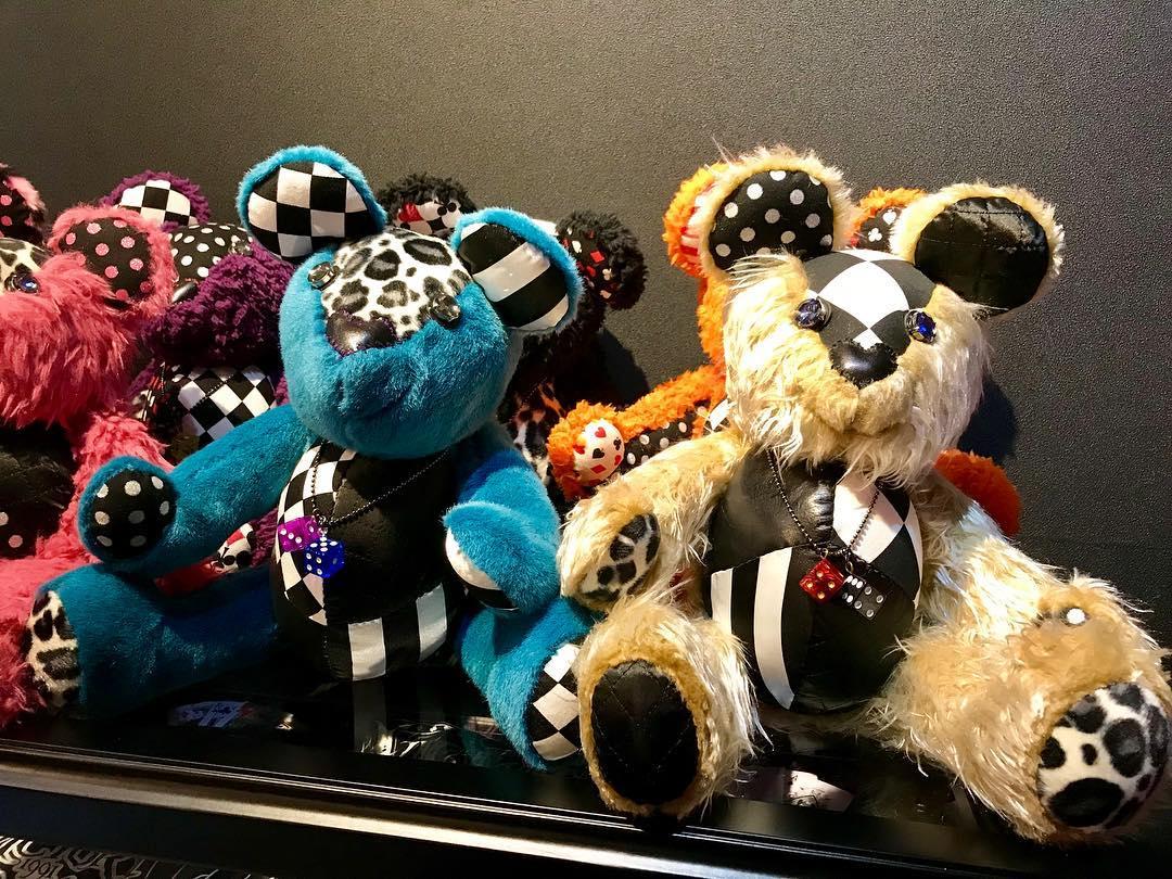 12月2日のホットロッドカスタムショーで販売するRockabilly Bear