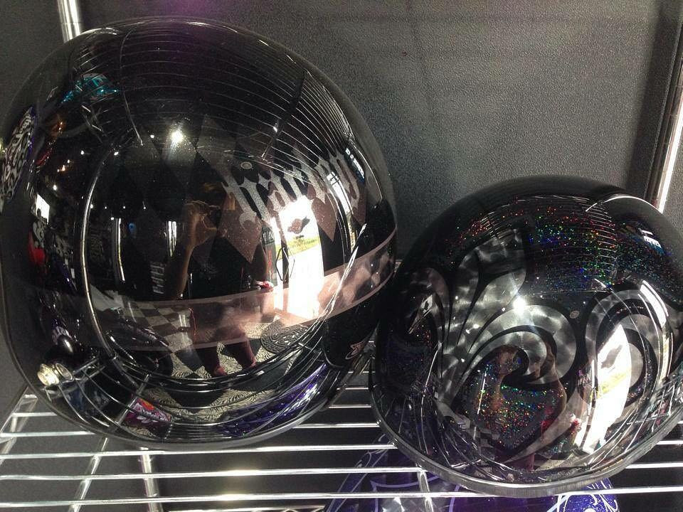 ブラック系のヘルメット二種盛り