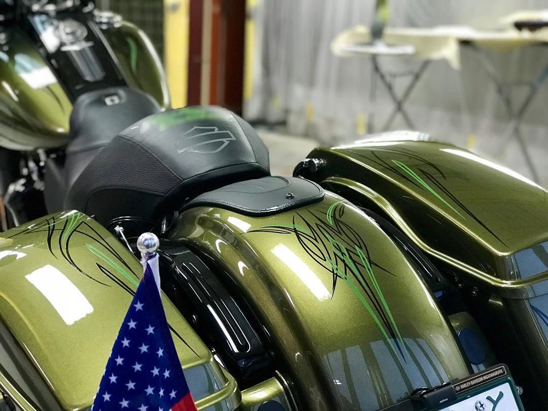 Harley-Davidson roadkingのピンストライプ