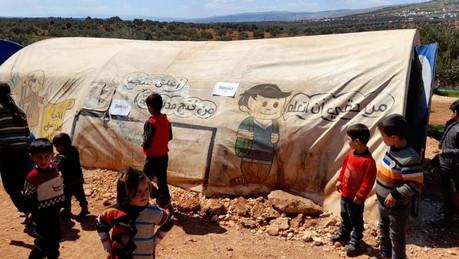 Geheizte Schulzelte für die Flüchtlingskinder aus Idlib