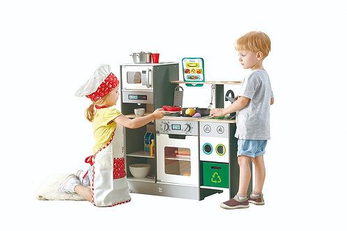 מטבח עץ מפואר לילדים