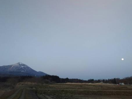 磐梯山とスーパームーン