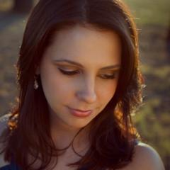 Julianna+Emanski+Headshot+Looking+Down+o