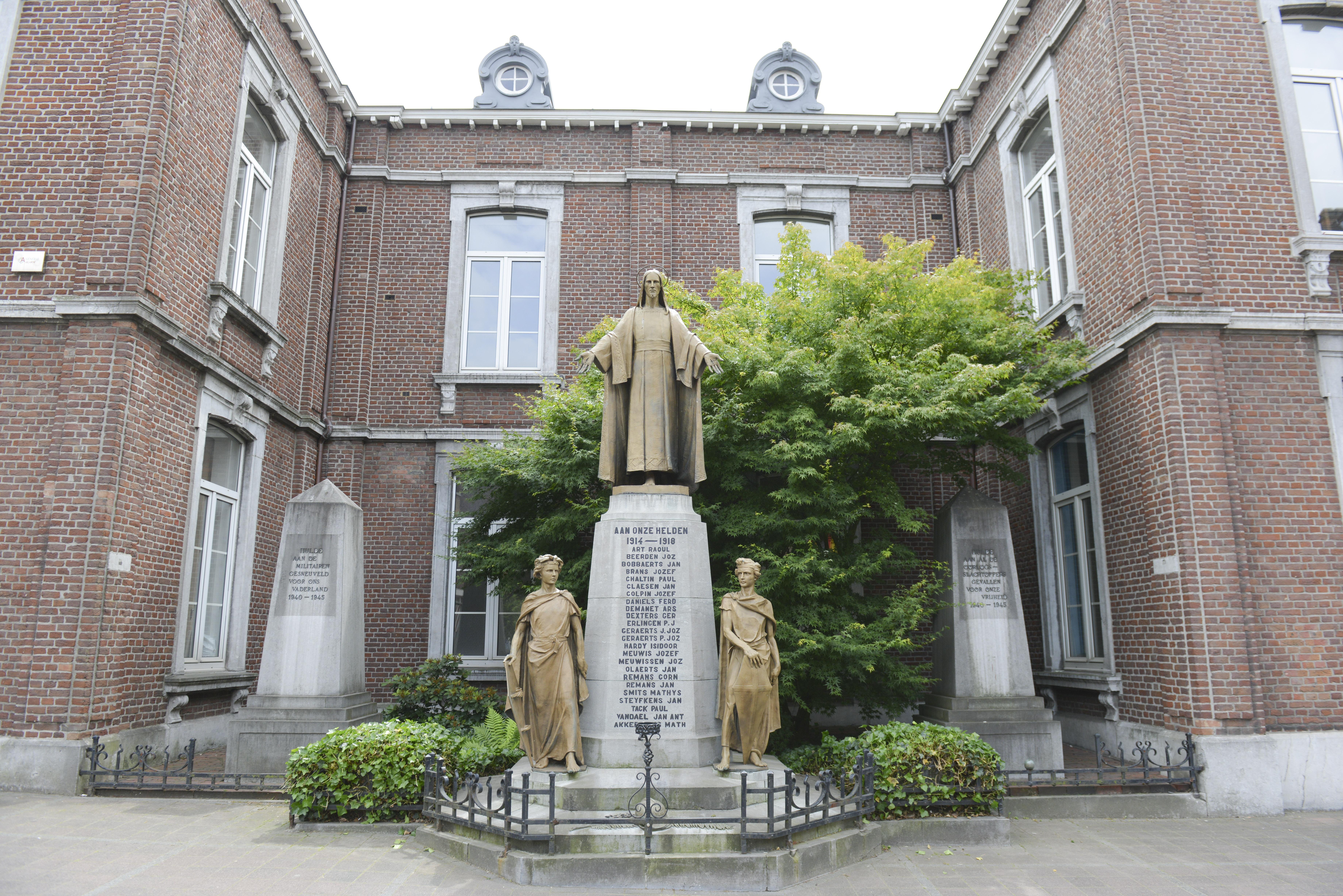 Heilig Hart Monument, Stad Genk