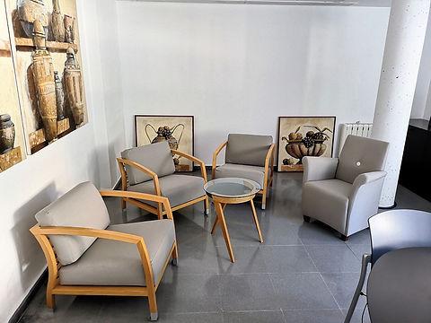 Tapizado de butacas y sillones para sala de reuniones en colegio de Madrid | Madrid | Cortistor | Tapicería en Madrid | Tapiceros de confianza