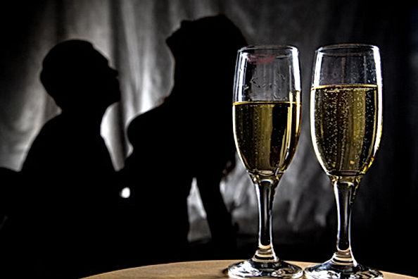Sex-Silouette-2-Wine-glasses.jpg