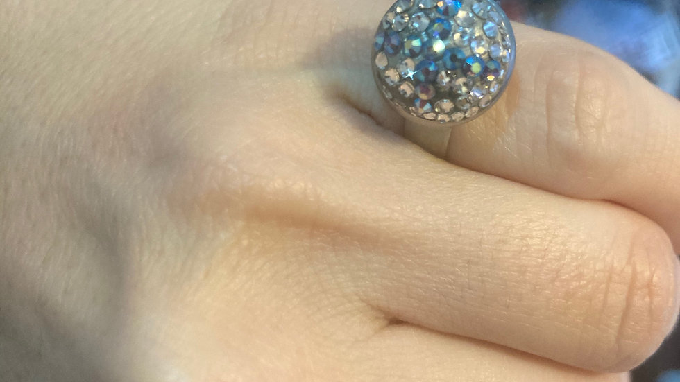 Ring, adjustable size