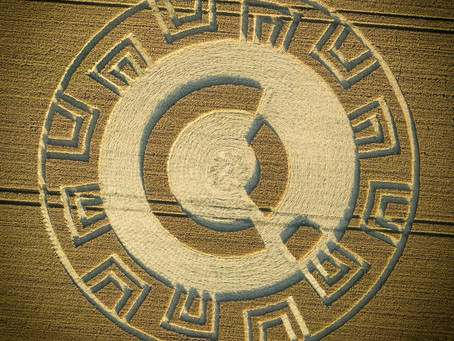 Walking between the Worlds - an Astrological Interpretation of the Upham Crop Circle 18th July 2021