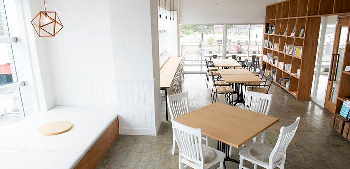 ネロリの島cafe店舗内観
