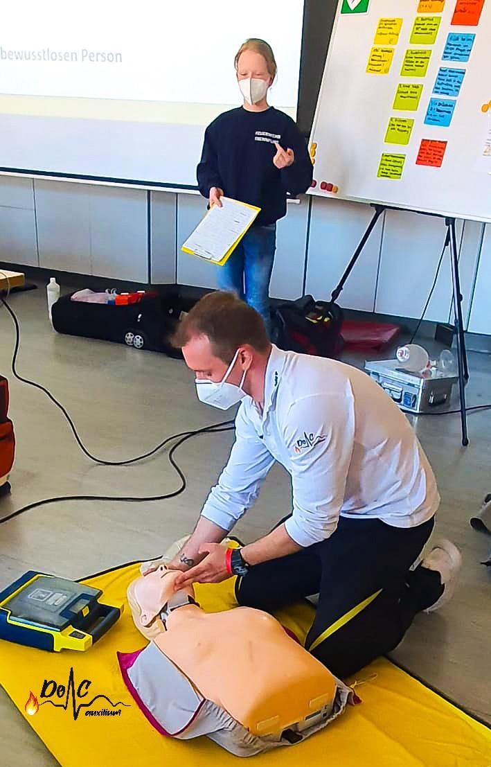 Erste-Hilfe Feuerwehr Reanimation